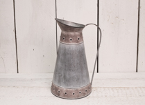 Lovely embossed watering can. Perfect for indoor planting!