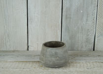 Concrete pot with wide bottom