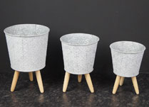 Metal Planter with Wooden Legs 17 cm