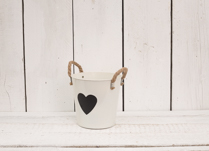 Gorgeous cream zinc bucket with heart shaped blackboard on the front. Great for planting your bulbs this Spring!