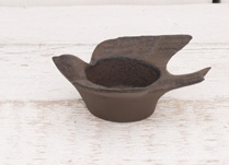 Lovely cast iron bird tea light holder! This would make a lovely gift for any friend!