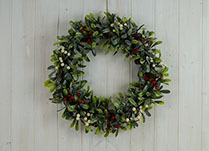 Foliage and Berry Wreath 35cm